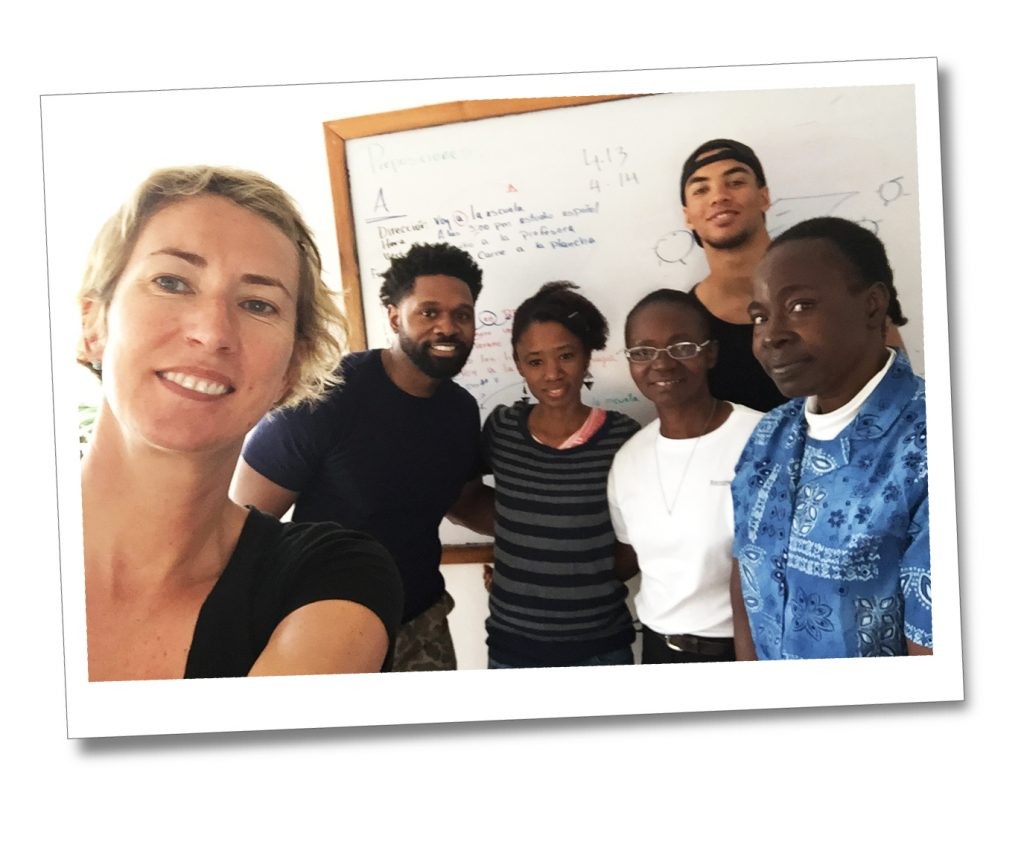 SueWhereWhyWhat and the Spanish Class, at Apple Languages in The Dominican Republic