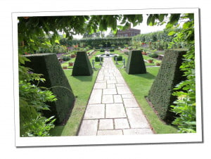 The Pond Garden - Ultimate Guide to Planning Your Perfect Hampton Court Day Trip
